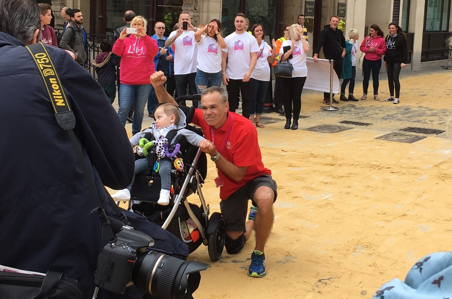 Postman Mark Penfold finishing his 500-mile walk