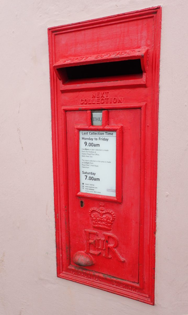 Carron B type wall post box at Wells