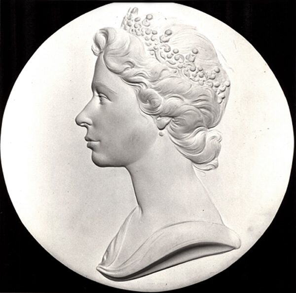 A early plaster cast by Arnold Machin of Queen Elizabeth II wearing a Tiara.